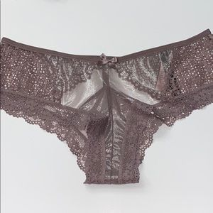 Victoria's Secret Cheeky Panty Med NWT